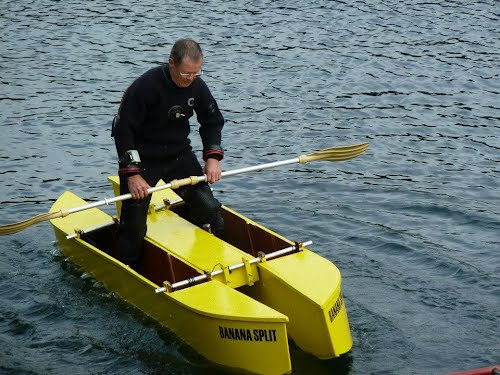 DIY-twin-hull-kayak-for-fishing-and-diving-UK-stand-up