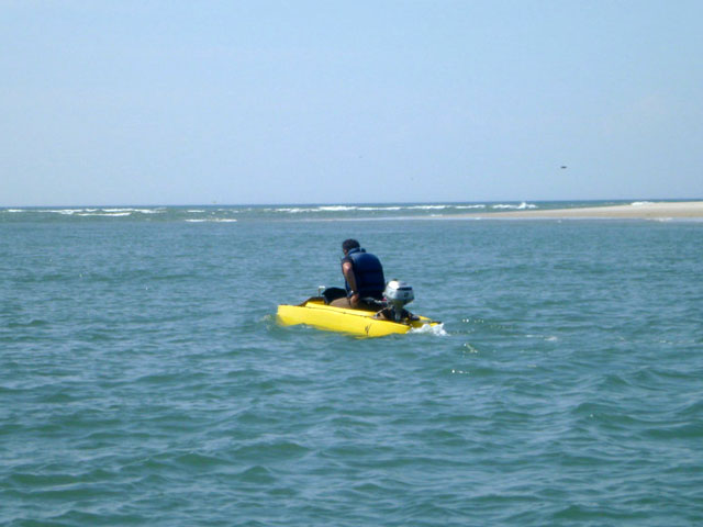 fishing kayak converted into oceanographic research boat (2)