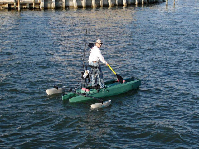 stand_up_fly_fishing_kayak_with_outriggers_Florida